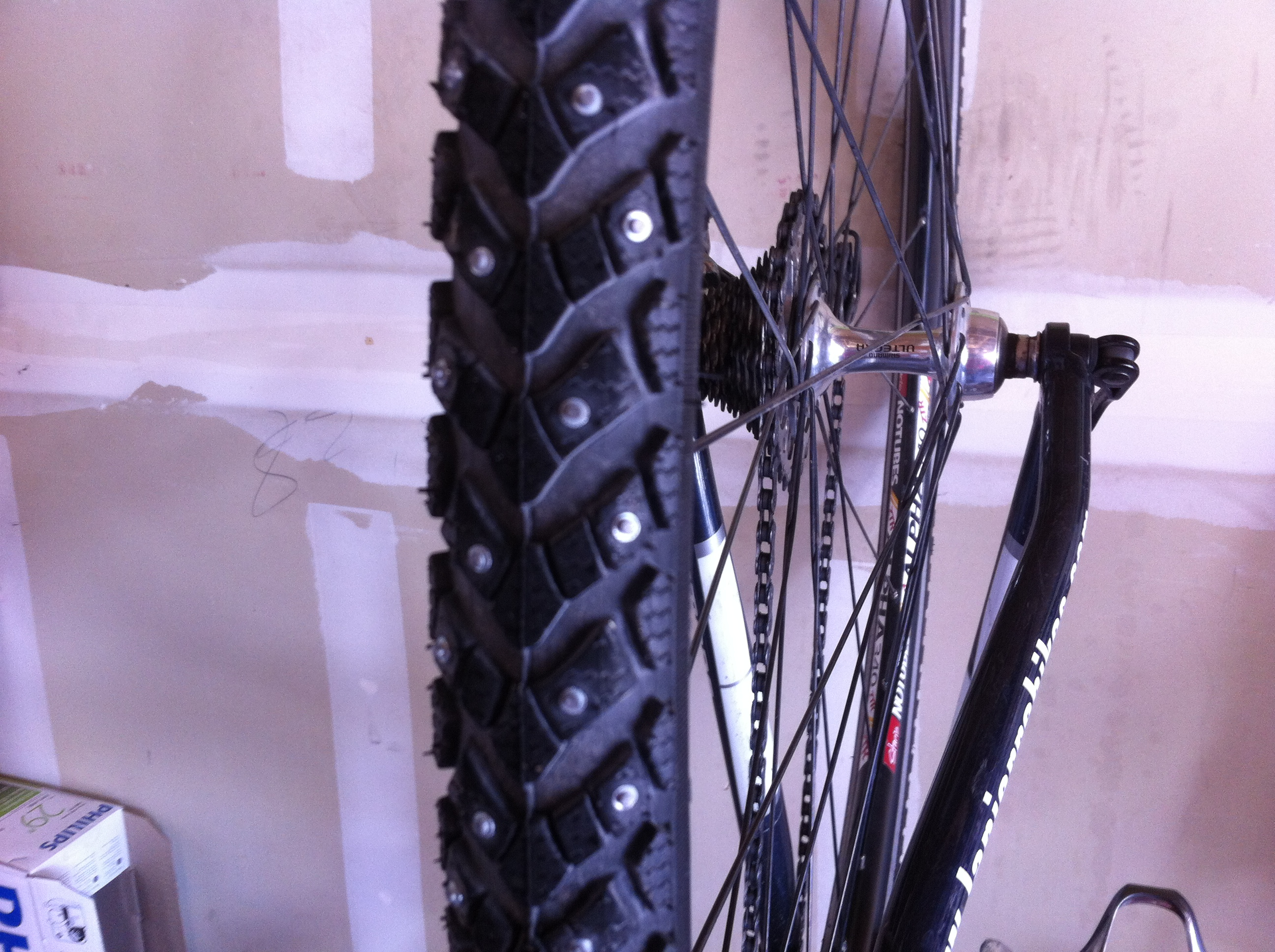 new Schwalbe marathon winter studded tire